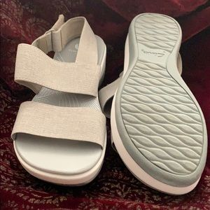 NWOT Cloudsteppers by Clarks. Grey sandals